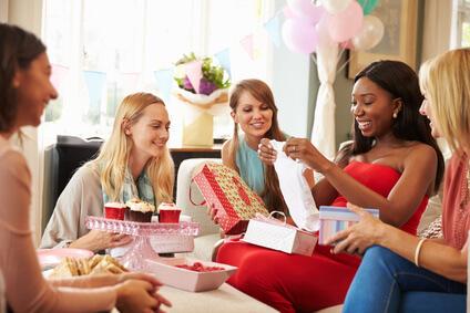Geschenke zur Geburt - Ideen für Mädchen, Jungs, Zwillige und die Mutter, sowie selbstgebastelte und besondere Geschenkideen